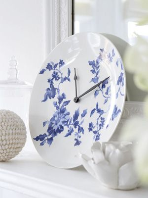 Turn a pretty plate into a unique stylish clock