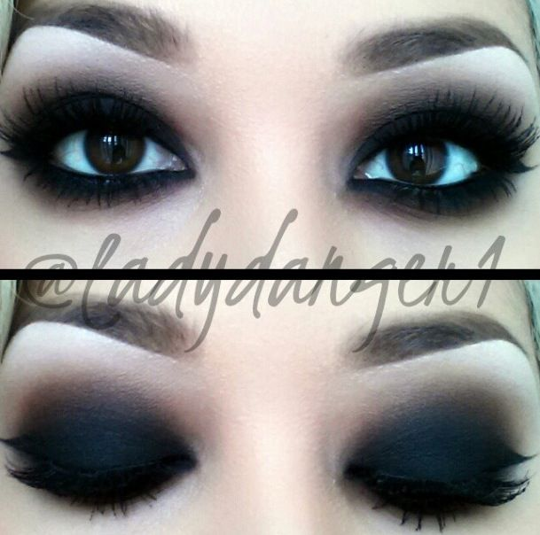 Blacked out eyes// those look so clean compared to the ... Raccoon Eyes Makeup Crying
