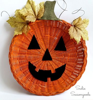 DIY Easy Halloween pumpkin wicker basket fall decor // Halloween tök őszi dekoráció fonott kosárból egyszerűen // Mindy - craft tutorial collection // #crafts #DIY #craftTutorial #tutorial #HalloweenCrafts #Halloween #DIYHalloweenDecor #DIYHalloweenCostumes