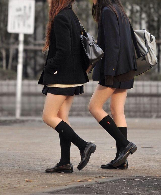 【朗報】街や電車に女子高生が戻ってきたので歓喜して画像を貼るスレwwwwwwwwww : エロ画像 モモんガッ(・∀・)!! まとめ