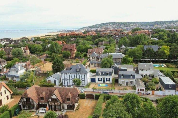 A vendre Situation exeptionnelle pour cette belle maison à deux pas de la plage DEAUVILLE (14800) - Côte & Littoral