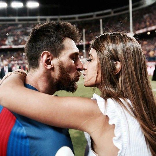 Lionel Messi + Antonella Roccuzzo