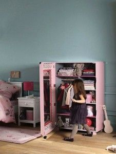 10 Girly Girls Rooms -