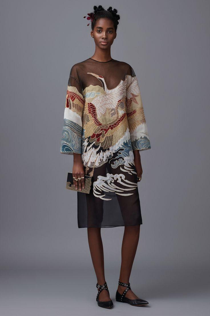 Valentino Pre-Fall 2016 Fashion Show