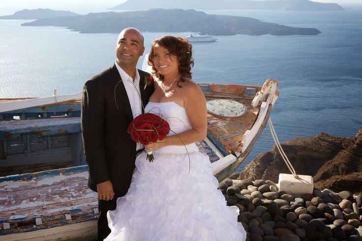 Red-themed wedding in #Santorini!