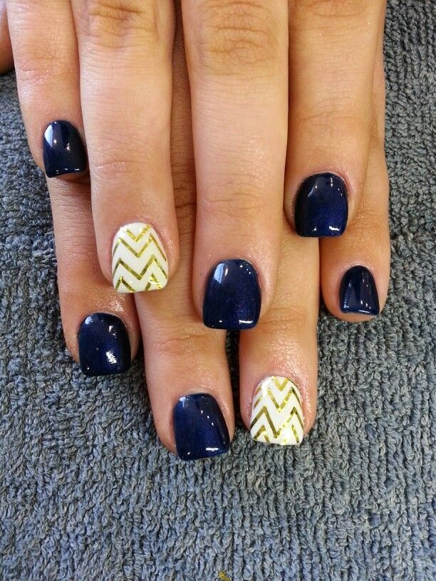 A Navy Blue base with a White and Gold Chevron accent nail. - Best 20+ Navy Nail Designs Ideas On Pinterest Blue Wedding Nails