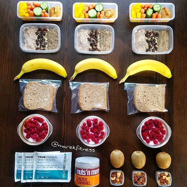 Keep your snacks simple and nutritious:  1. Veggies with hummus  2. Oatmeal with flax seed, raisins, Protein powder  3. Bananas  4. Ezekiel bread and @nutsnmore Peanut butter  5. Greek yogurt with chia seeds and raspberries  6. Kiwi and mixed nuts  7. Protein shake by @trueprotein  #mealprepsunday  #foodporn #mealplan #mealprep #foodgasm #yummy #yum #diet #easymeals #healthyeats #fitspiration #eatright #delish #fitnesstransformation #iifym  #delicious #nomnom #dieta #foodgram…