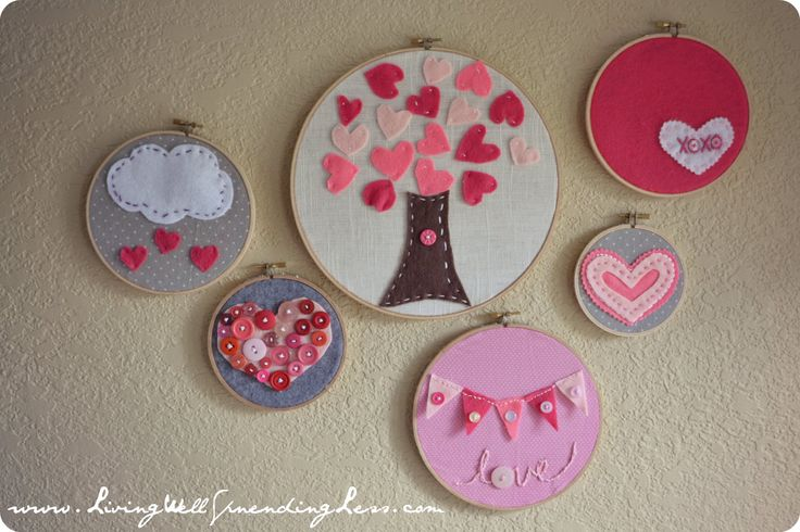 Valentine's Day embroidery hoop art--so cute & fun & easy!  great project to do with kids! #valentine's day #craft