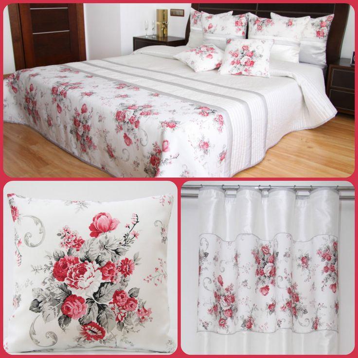 Dekoračný set do spálne bielej farby  s červenou kyticou kvetov