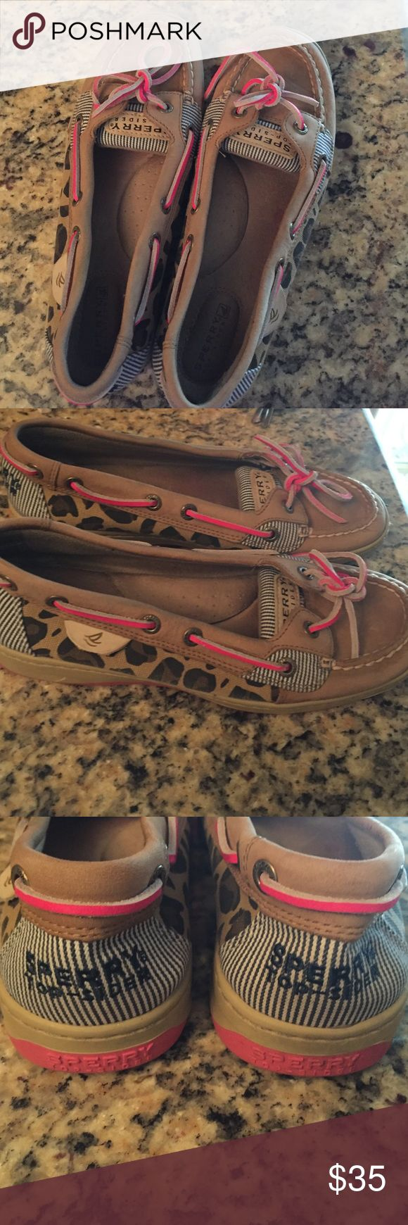 Leopard sperrys top slider shoes In great condition👍🏼 I will clean bottom before shipping 😊 Sperry Top-Sider Shoes