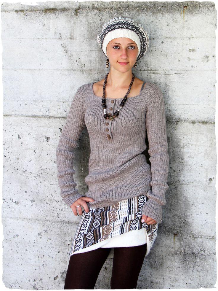 Pullover Bella abbinato a Gonna e cappello double-face #modaetnica #ethnicalfashion #alpacaswhool #lanadialpaca #peruvianfashion #peru #lamamita #moda #fashion #italianfashion #style #italianstyle #modaitaliana #lamamitafashion