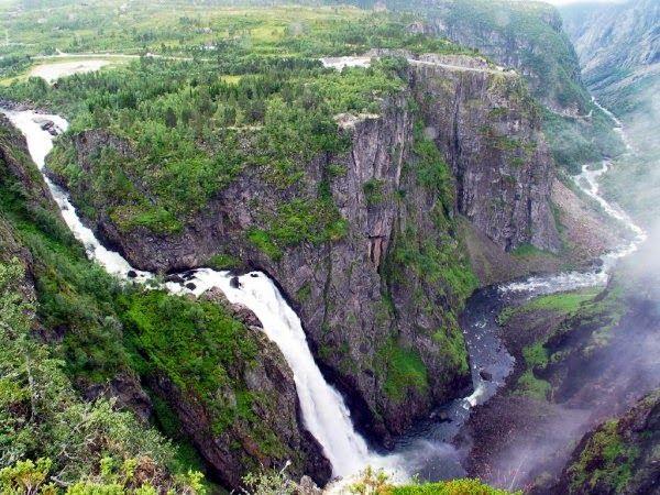105 world's most amazing waterfalls