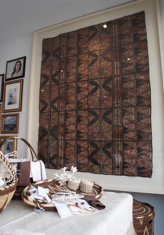 NZer Laura Myer introduces the exotica of the South Pacific in her shop in London. Shown here is a Samoan tapa cloth framed which hangs so beautifully in her shop. I love it! Would like to do this as a next project for my home. Nice.