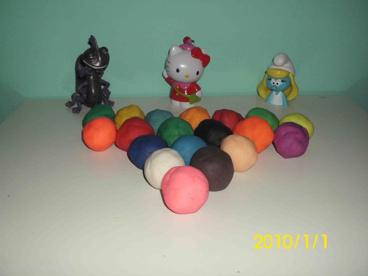 Play Doh Kinder Suprise Mickey Mouse,Hello Kitty,Smurfs,Cars,Mimi