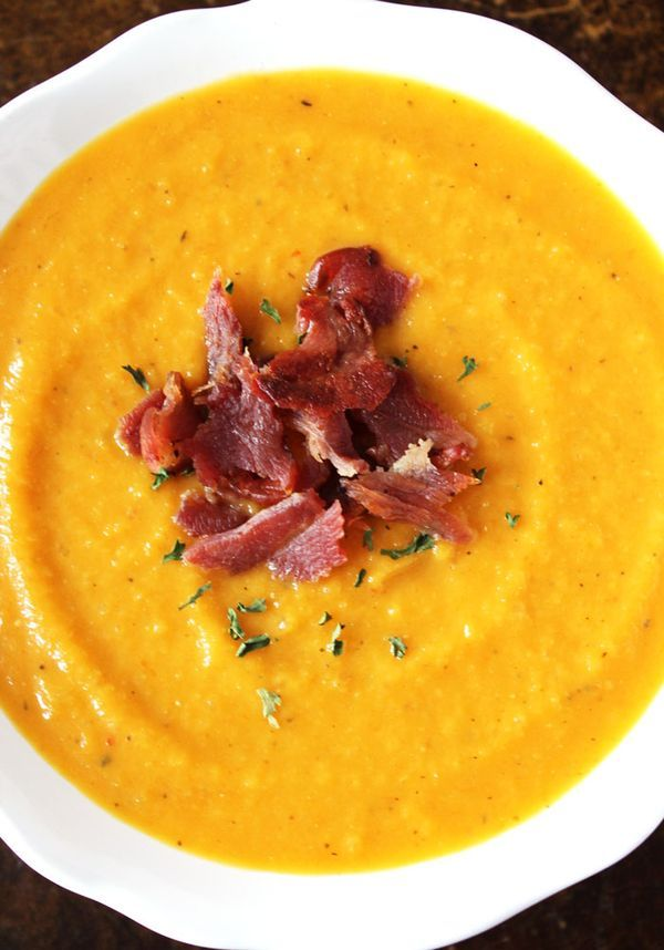 Apple and Butternut Squash Soup with Bacon - A creamy, sweet butternut squash soup recipe for Thanksgiving or anytime! (paleo, dairy free, gluten free)