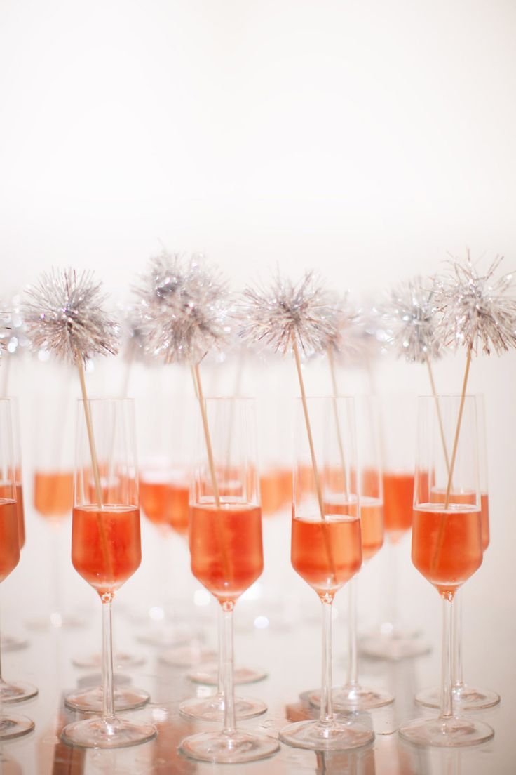 Sizzle and shine! #DIY Sparkle Stirrers