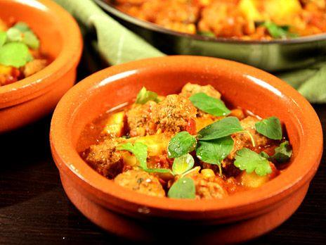Albondigas med tomatsås och mandel | Recept.nu