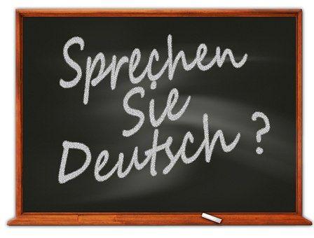 Ingyenes 10 leckés német tanfolyam kezdőszinttől tudja segíteni a tanulókat a német nyelv elsajátításában. Két naponta 1 lecke érkezik a jelentkezés során megadott email címre. A 10 lecke ismeretet nyújt a névelőkről, névmásokról, tagadásról, birtoklásról, kérdésmódokról, hétköznapi kifejezésekről. Játékos feladatok, képillusztrációk segítik a könnyebb megértést, tanulást.