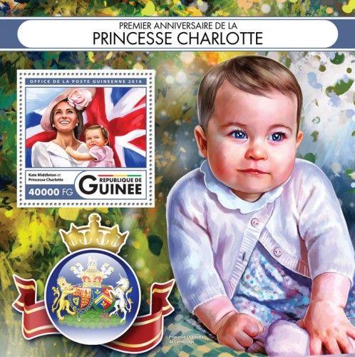 GU16417b First anniversary of Princess Charlotte (Kate Middleton and Princess Charlotte)