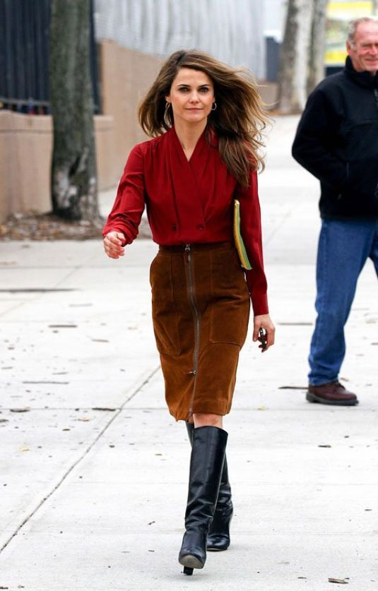 the americans keri russell costume - Google Search