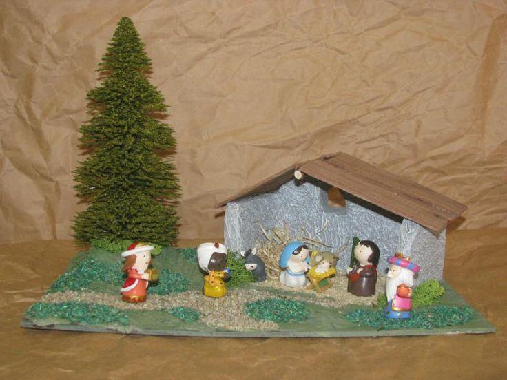Presepi Di Legno Betlemme : Intagliato a mano betlemme da statue di asilo nido legno