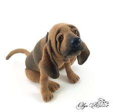 Bloodhound Richard, Hund, ca. 16 cm, gehäkelt. OOAK, UNIKAT