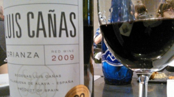 El vino Luis Cañas 2009, elaborado por la bodega Luis Cañas de la localidad alavesa de Villanueva, ha sido nombrado el mejor vino del mundo en relación calidad precio. El premio lo otorga la revista de vinos americana Wine Advocate de referencia en el mundo y con millones de lectores.