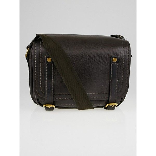 Pre-owned Louis Vuitton Coffee Brown Utah Leather Reporter Messenger... (1,795 CAD) ❤ liked on Polyvore featuring bags, messenger bags, tablet messenger bag, laptop messenger bags, louis vuitton messenger bag and brown leather messenger bag