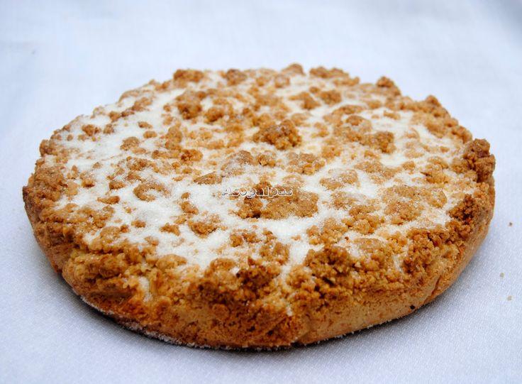 Receta casra de la sbisolona con almendras, harina, harina de maíz, azúcar, yema de huevo, mantequilla y ralladura de limón.