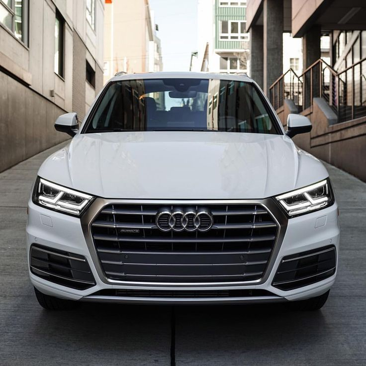 Audi Seattle (@audiseattle) on Instagram: 2018 Audi Q5 ~ The double hood crease, it's a thing, and we're liking it. 2018 #Audi #Q5's should show up next month .
