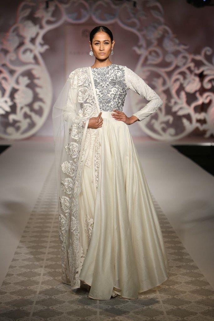 #ICW #ICW2014 #fdci #logixgroup #VarunBahl #shadesofwhite #serene #pure #designercouture #detailtherapy #elegant #valleyofdolls #weheartit #nofilter #wow #dreambride #bridal #indianfashion