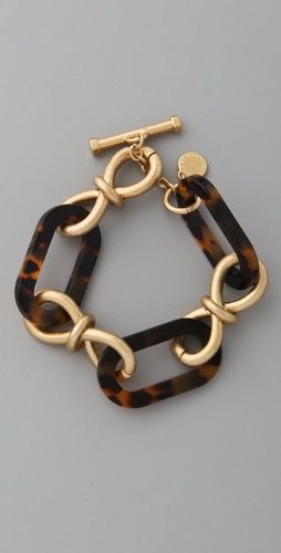 will have to dig out all my tortoise shell bracelets and necklackes from long ago.  this is so pretty!