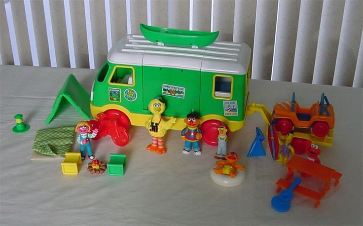 Vintage Sesame Street Camper with Accessories & Characters+extra Bird Bert Ernie #tyco