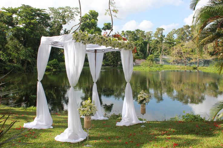Wedding by the #pond area with the great wildlife #couplesresorts #couplessanssouci