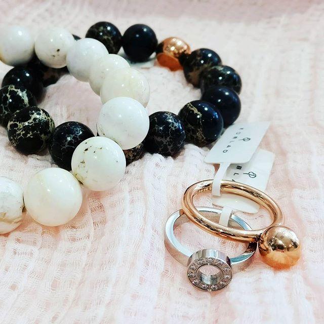 Butik Carla Instagram Upeat korut kruunaavat asun kuin asun. Meiltä löydät muun muassa ruotsalaisen Edbladin kauniita sormuksia ja rannekoruja. 💍 // jewelry ring bracelet rose gold silver