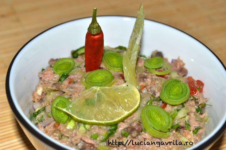 Pastă picantă de sardele, ton și anșoa cu avocado