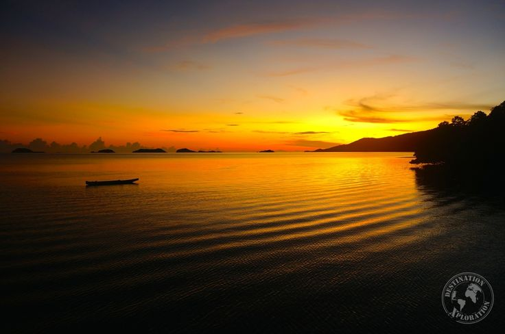 Riung, a little fishing village up the north coast of Flores, Indonesia. How to get to Riung? What to do in Riung? Learn more