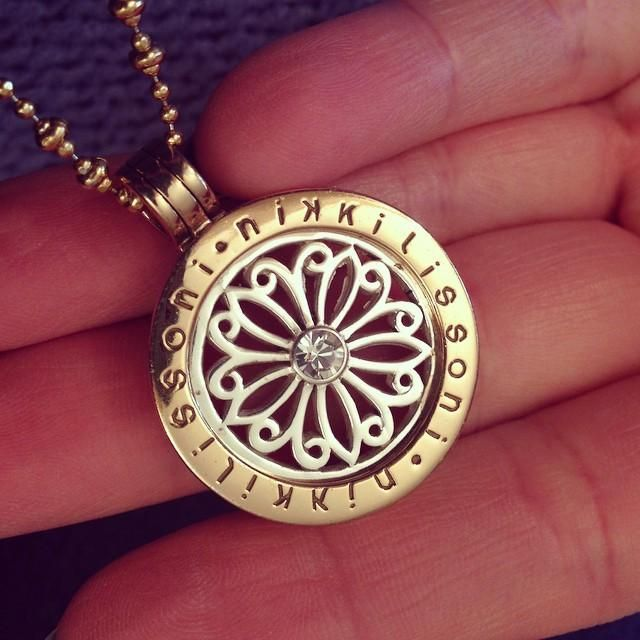 """Georgina Suzanne: """"Decided to change my Nikki Lissoni coin today! Forgot how much I #love this one!"""" -xx-"""