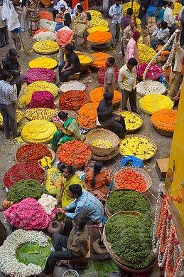 Flower necklace sellers in City Market, Bengaluru Bangalore, Karnataka state, India, Asia