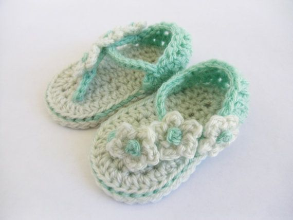 Mint floral crochet baby sandals with daisy by KaelestisCrochet