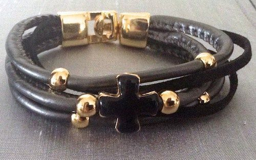 OZZI Leather bracelet with smalto cross. Price: 15e  #presents #Christmas #Jewelry