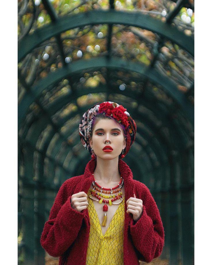 "3,175 Me gusta, 38 comentarios - Alexander K (@alexk_photo) en Instagram: ""Photography - @alexk_photo Makeup/Style/Model - @tavi.makeup For Sharksandcoins jewelry. #makeup…"""