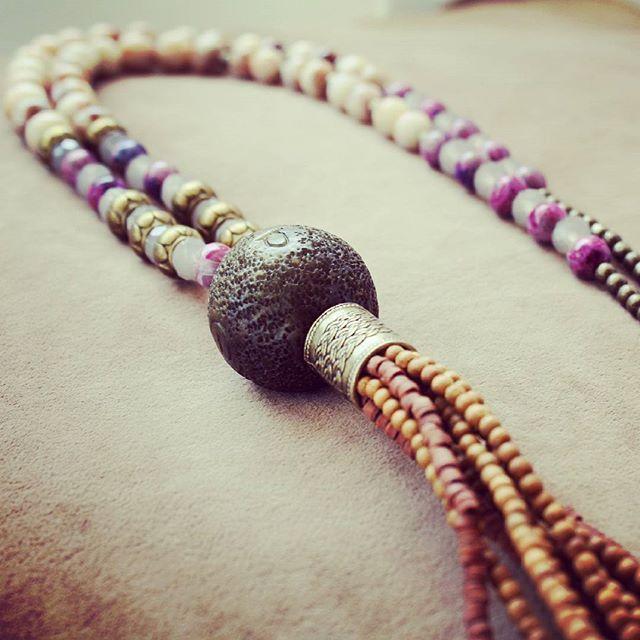 Dünyayı güzellik kurtaracak... Güzel bir hafta olsun hepimiz için. #anatoliangirls #necklace #kolye #bohochic #bohostyle #boho #fashion #fashioninsta #fashionblogger #blogger #bloggergirl #hippiegipsy #handmade #bohemiansoul #styleinspiration #instapic #designer #weloveit #freespirit #bohemianfashion #summerstyle #özeltasarım #ankara #moda #iyi #haftalar
