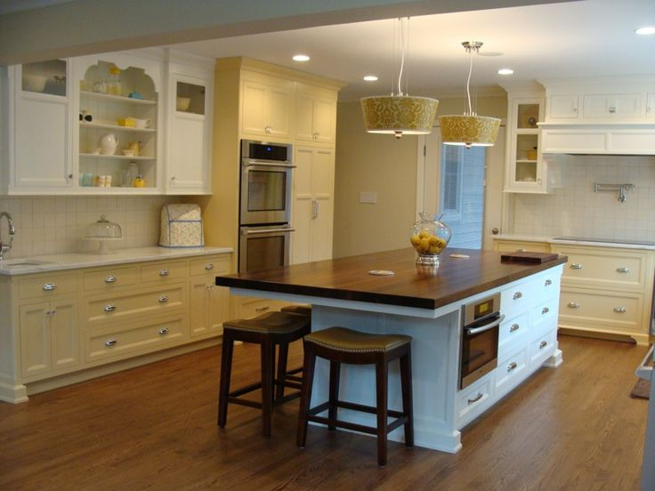 Colors of cabinetry bm barley 199 bm mascarpone af 20 for Catalyzed lacquer kitchen cabinets