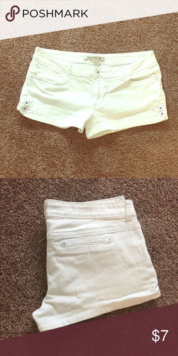 White jean shorts Forever 21 white Jean shorts. Stretchy and comfortable. Forever 21 Shorts