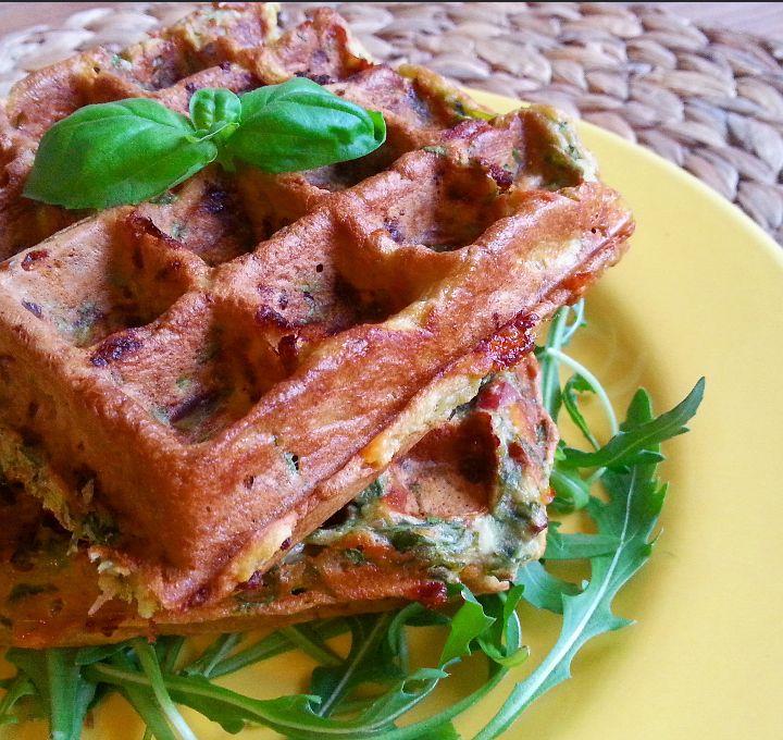 hartige wafels met spinazie kaas en spekjes! (2)