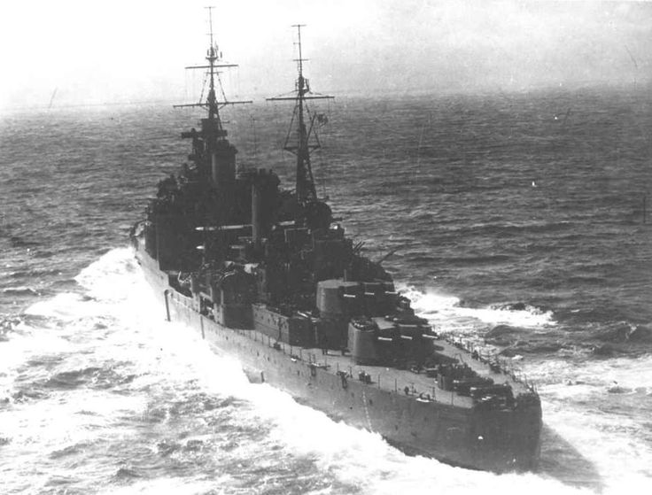 HMS MANCHESTER SOUTHAMPTON-Class cruiser ordered on 11th November 1935 from R & W Hawthorn Leslie & Co. Ltd at Hebburn on Tyne with the second Batch of this type. The ship was laid down on 28th March 1935 and launched on 12th April 1937. Build was completed on 4th August 1938.