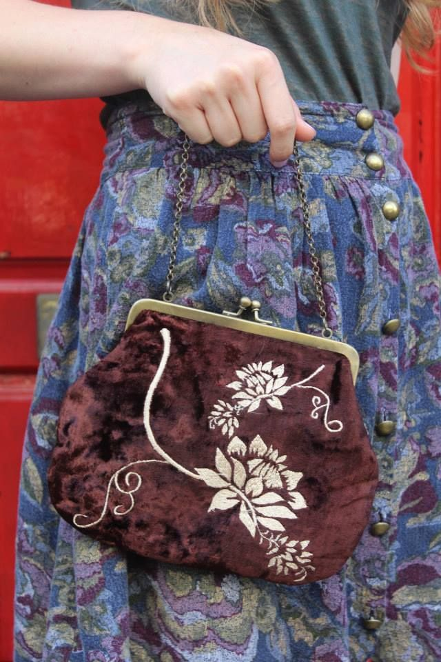 CUTE VINTAGE BAG WITH EMBROIDERY