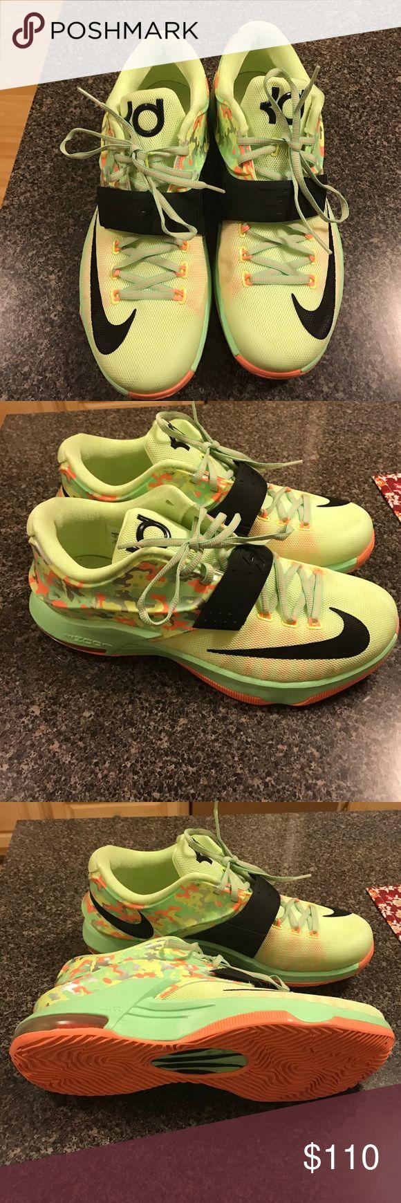 Nwot Nike KD shoes Nwot Nike KD shoes Nike Shoes Sneakers
