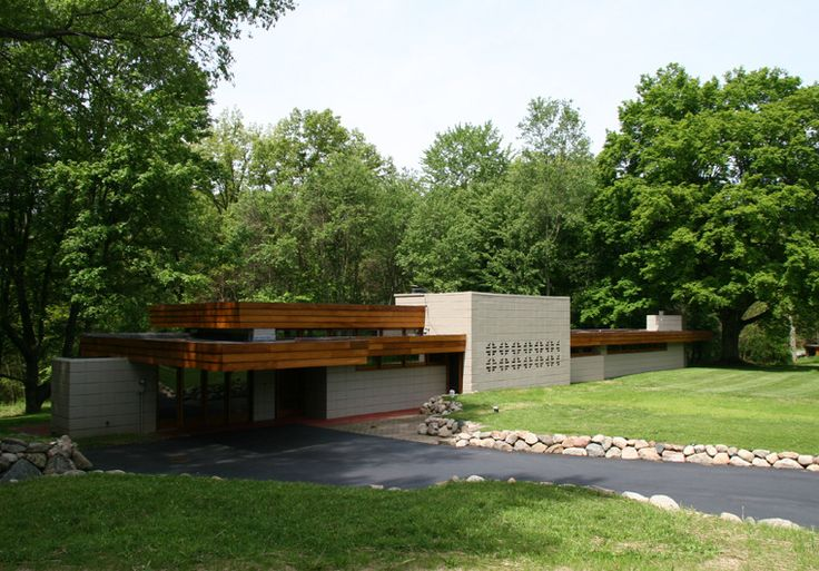 10 images about flw pratt house on pinterest house for Frank lloyd wright parents